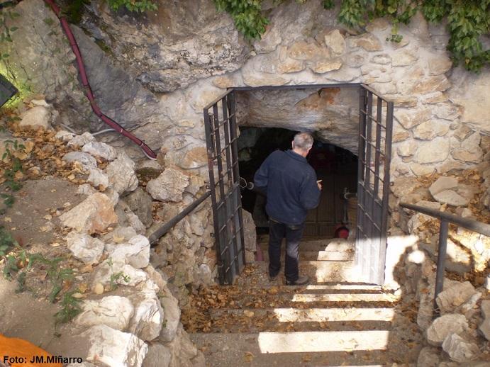 foto Cova de Can Sadurní