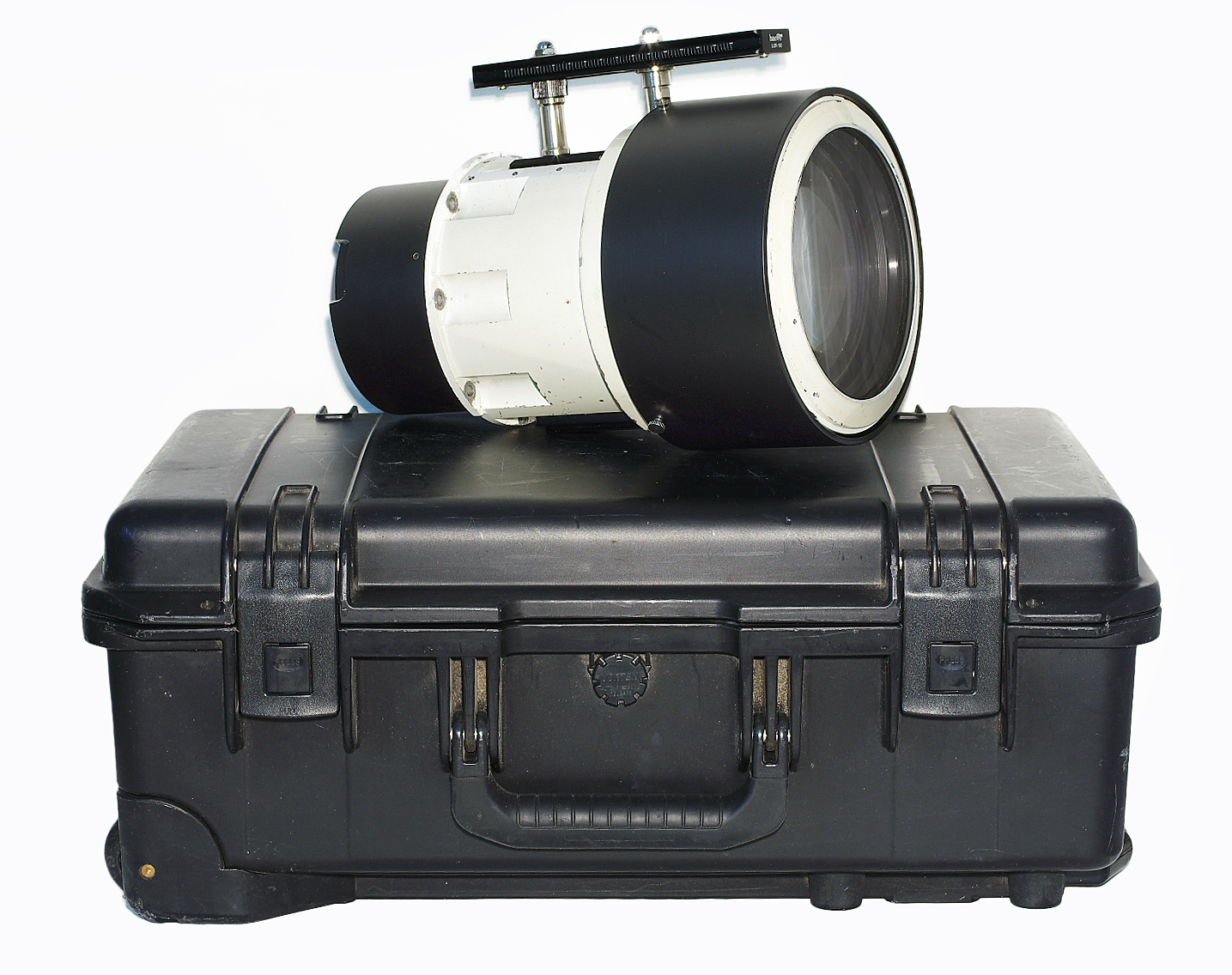 P-Angenieux-1-5-210-mm-Professional-re-mounted-to-Fujifilm-GFX