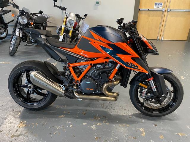 2020 KTM 1290 SUPDERDUKE R