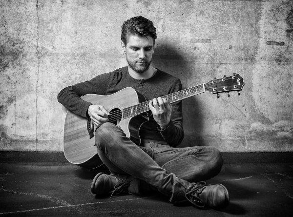 zanger gitarist boeken evenses