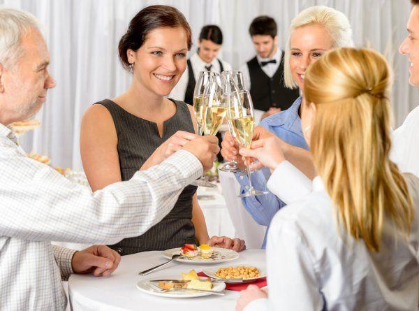 bedrijsfeest proost champagne