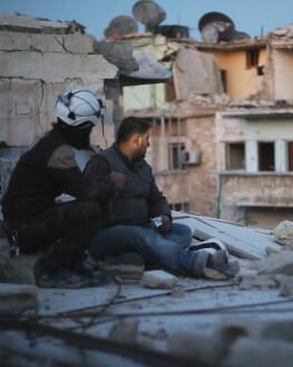 Last Men in Aleppo / Ultimii bărbați din Aleppo One World Romania 2018