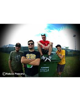 Niște Băieți (romanians punk-rock shlagars) live Invitati speciali: ZERO FOX GIVEN (pop-punk, Bucuresti)
