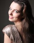 #concertdeacasa Axia Marinescu, pian De la Paris, din Salonul de Muzică al artistei, direct în casele noastre.