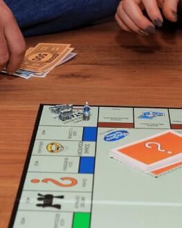 Cadouri haioase - boardgames cu 3 prieteni buni
