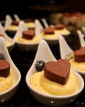 Ciocolata personalizata cu mesajul tau romantic si tratament spa pentru iubita ta
