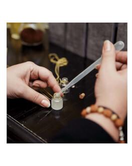 Creeaza propriul tau parfum, din esente rare, speciale si unice, acel parfum cu care rezonezi 100%