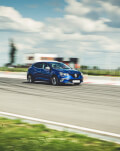 Masini de viteza - adrenalina pe un circuit profesionist
