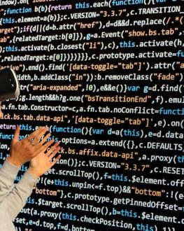 Experimenteaza realitatea virtuala in cel mai mare spatiu de VR din Bucuresti voucher valabil 12 luni de la achiziție Bucuresti
