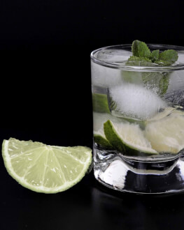 Invata de la un barman profesionist secretele cocktailurilor