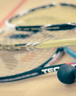 Squash - experimenteaza un sport energic