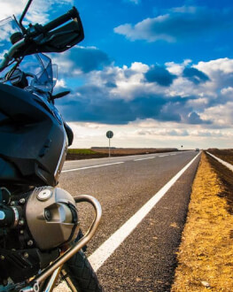 Traseu cu motocicleta – experimenteaza viteza si libertatea pentru o zi