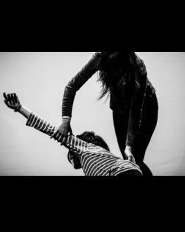 Corpul surprinzător/ Atelier de dans contemporan online Condus de Andreea Novac