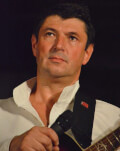 E toamna nebun de frumoasa la Cluj concert muzica folk cu cantautorul Dan Pantis