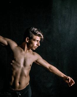 WORKSHOP: Body as a Creation Tool cu Alexandru Daniel Dragomir