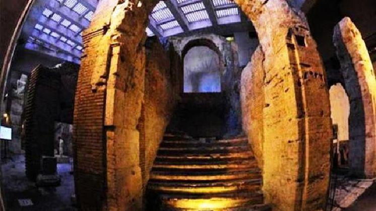 Stadio di Domiziano, sotterranei di Piazza Navona e del Teatro di Pompeo - Visita guidata con apertura esclusiva (20 persone max)