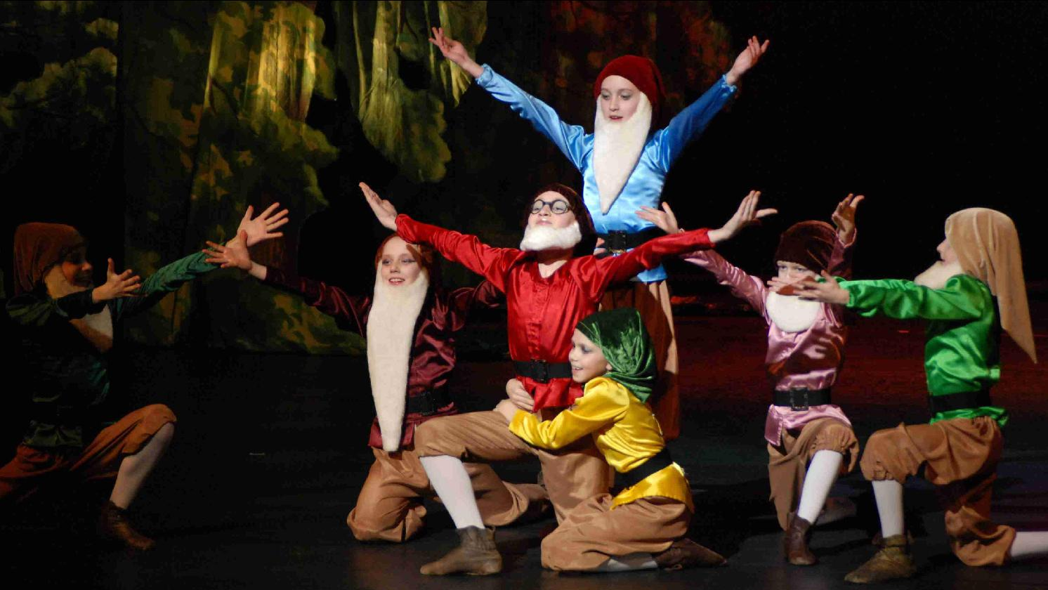 Snow White & 7 dwarfs ballet