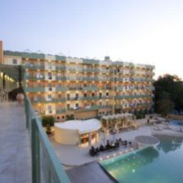 Снимка 1 на Ariti Grand Hotel, о-в Корфу
