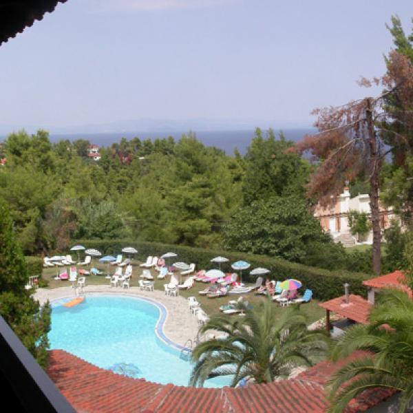 Снимка 1 на Kassandra Bay Hotel, Криопиги