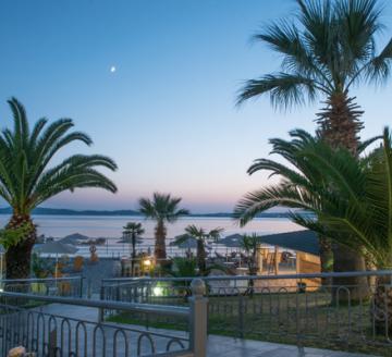 Снимка 3 на Akrathos Beach Hotel, Уранополис