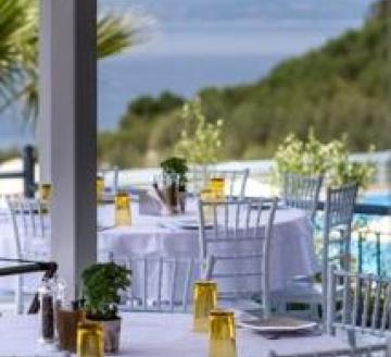 Снимка 5 на Akrathos Beach Hotel, Уранополис