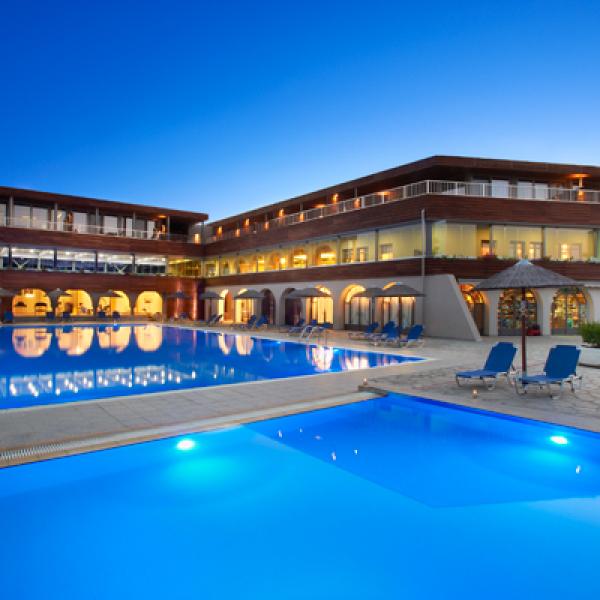 Снимка 1 на Blue Dolphin Hotel, Метаморфоси