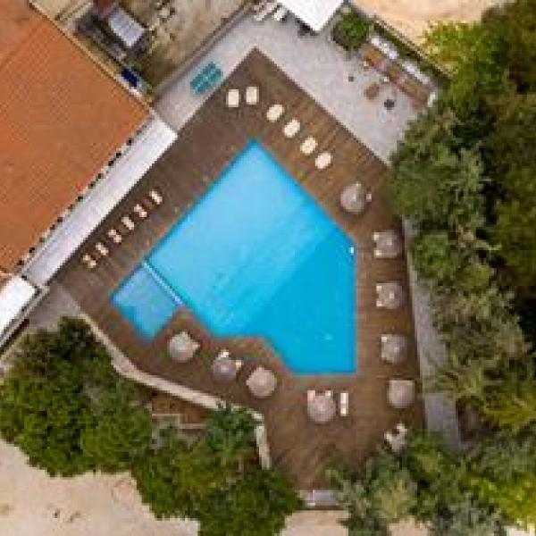 Снимка 1 на Zoe Hotel (ex. Trypiti Hotel & Suites), Гърция