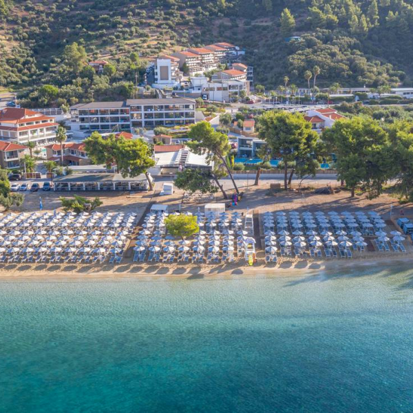 Снимка 1 на Lagomandra Hotel & Spa, Неос Мармарас