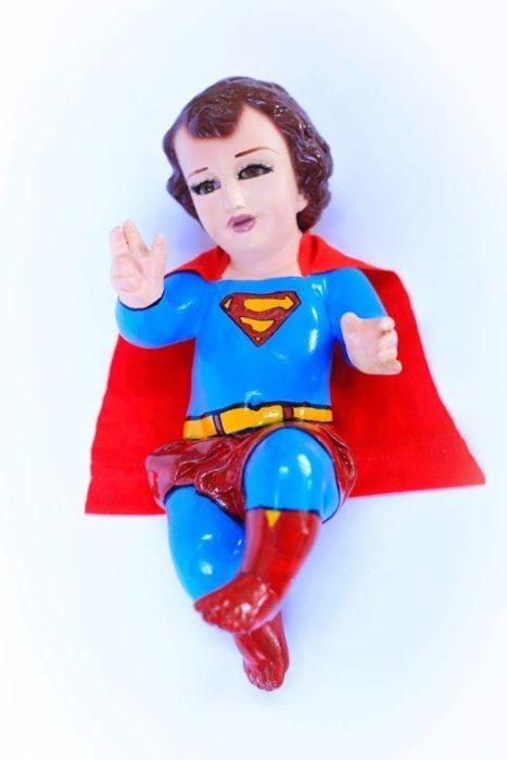 Niño Dios Superman