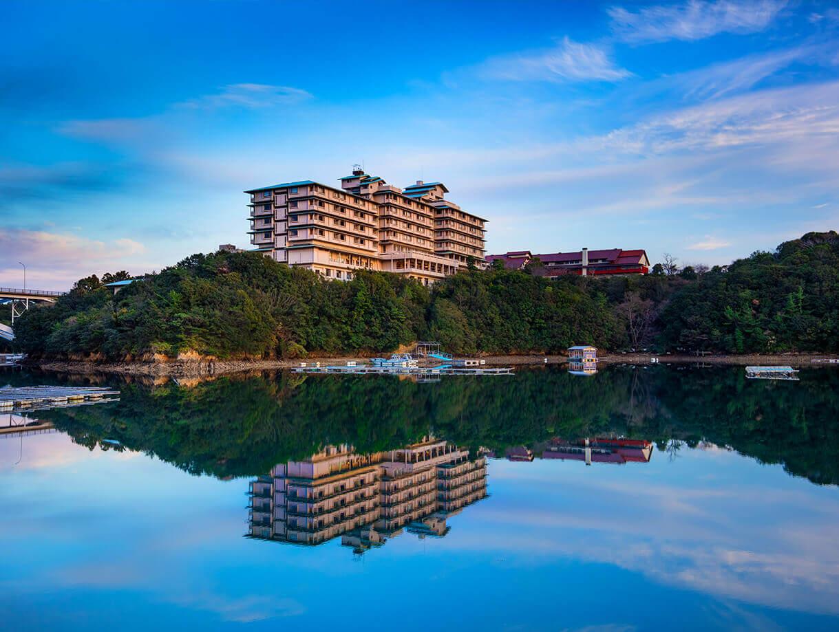 秀峰閣湖月