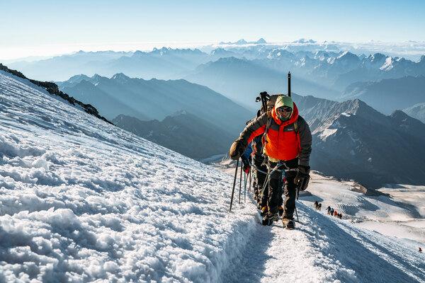 Восхождение на Эльбрус с кислородом за выходные - Awayza