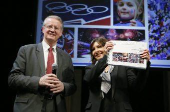 Paris ravive la flamme olympique