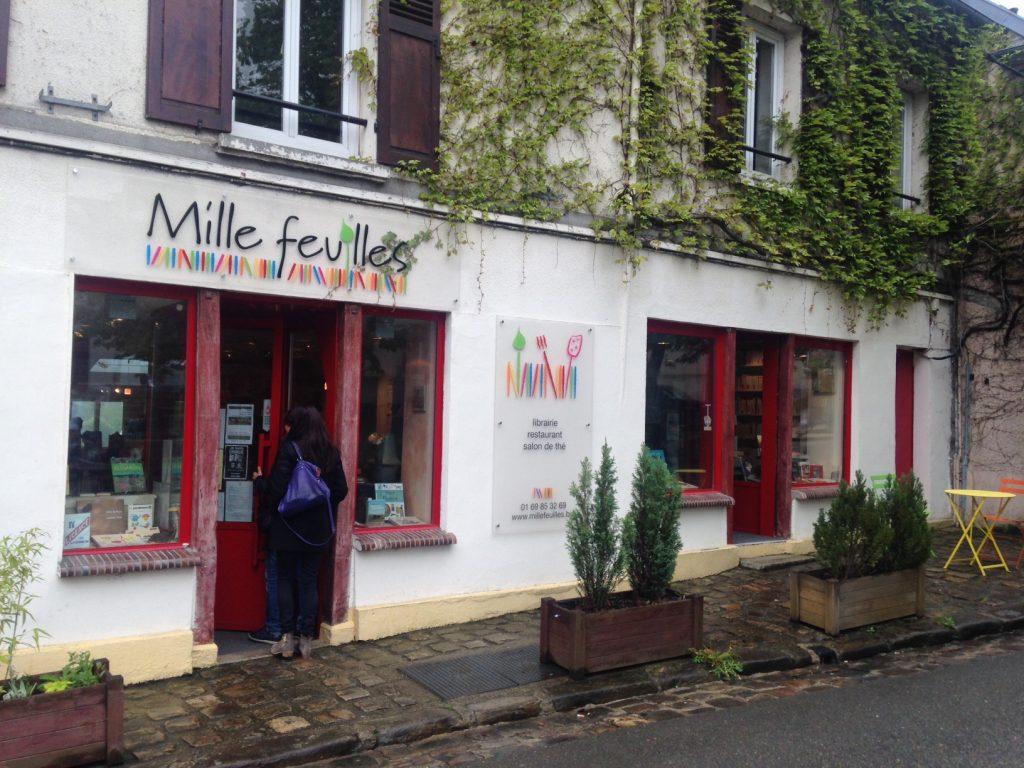 Librairie-resto-salon de thé le Mille Feuilles à Bièvres / © Steve Stilmann