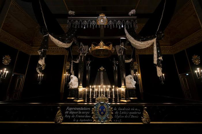 Chambre funéraire de Louis XIV à Versailles. DR.