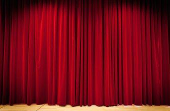 Derrière le rideau des théâtres de banlieue