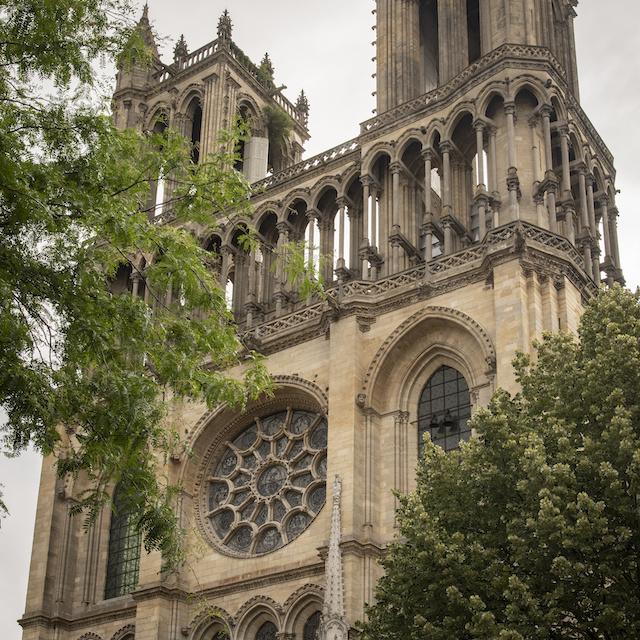 La collégiale Notre-Dame de Mantes la Jolie / © Jérômine Derigny pour Enlarge your Paris