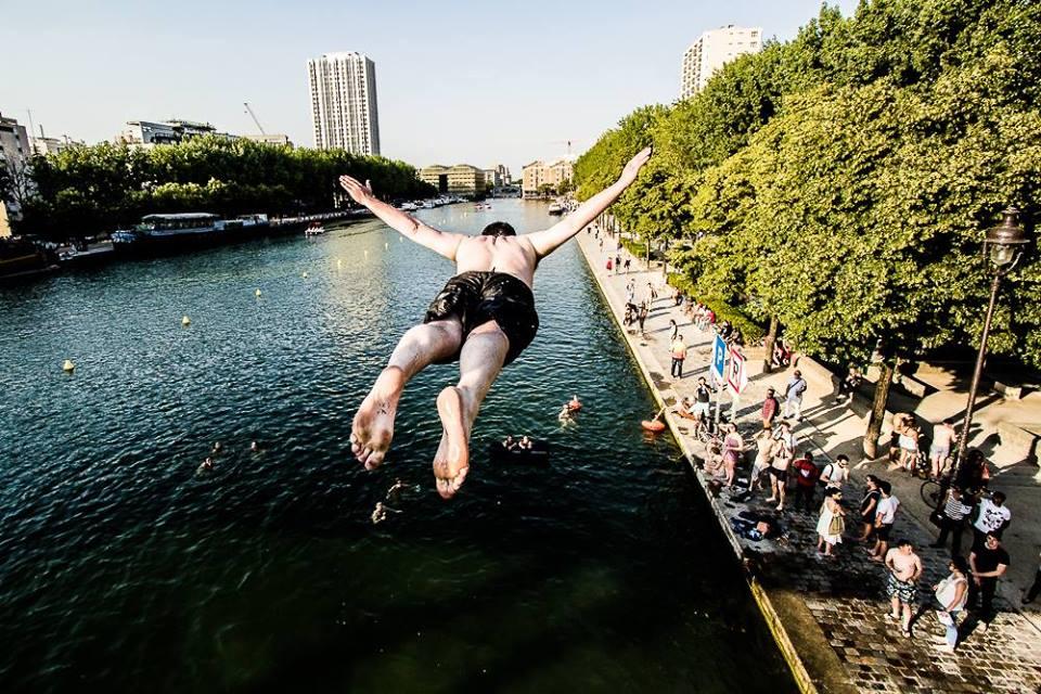 Les baignades urbaines dans le bassin de la Villette / DR