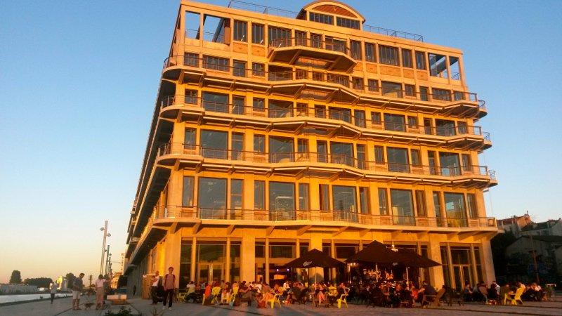 La terrasse de Dock B à Pantin / © Louis-Pierre Samain