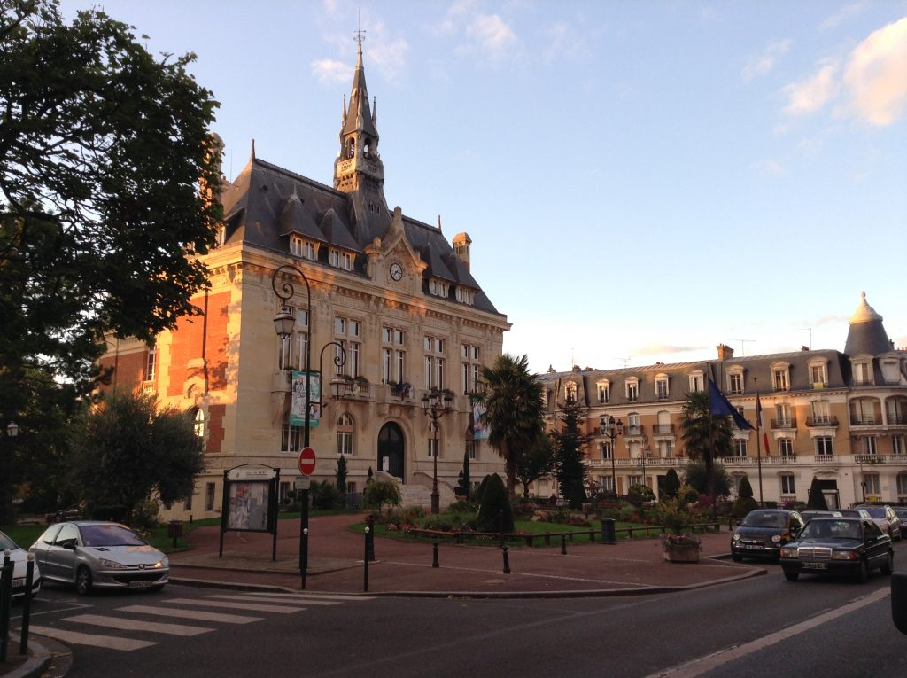 Hôtel de ville du Raincy / © Ines Edel Garcia