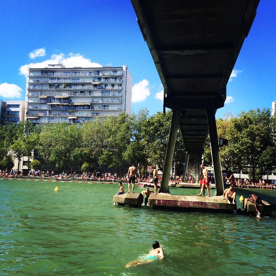 Baignade dans le bassin de la Villette le 28 août 2016 / © Ana Wegner