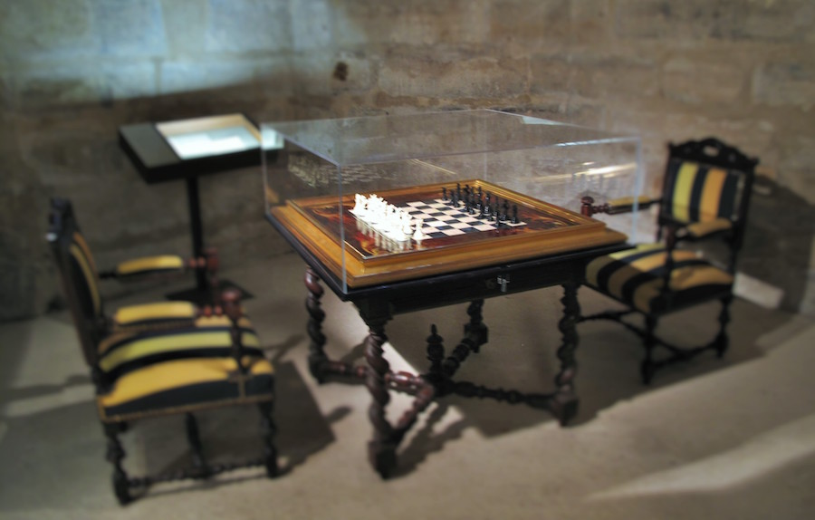 Mariage Frères, jeu d'échec, ZEVS / © Mona Prudhomme