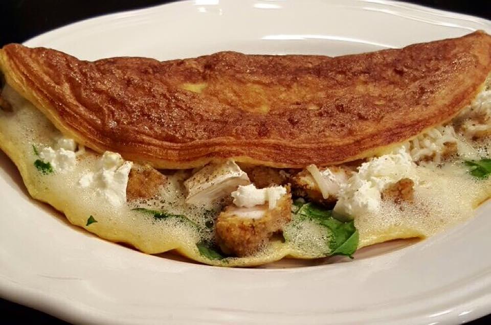 Omelette chèvre poulet épinards st Morêt et fromage râpé / ©  Home'lette