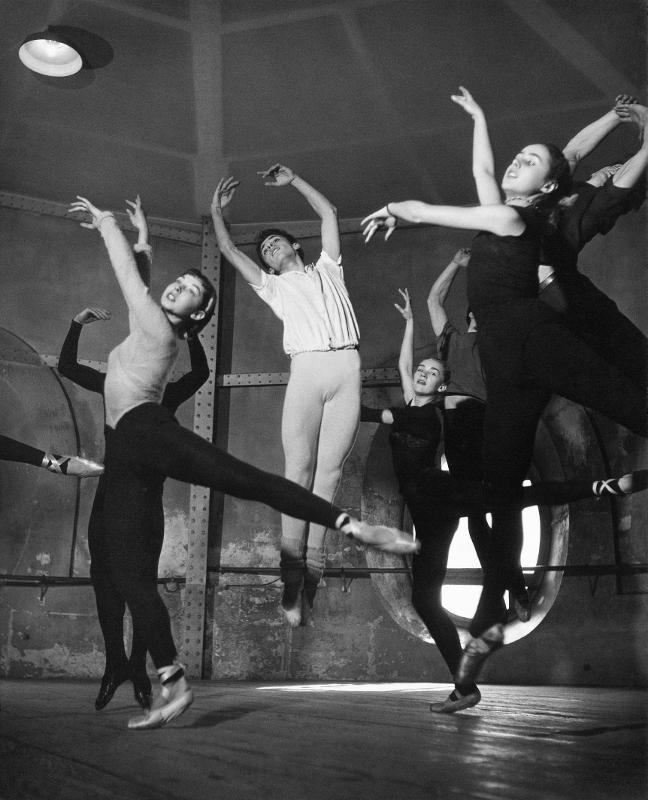 La rotonde de l'Opéra de Paris, 1950 © Atelier Robert Doisneau
