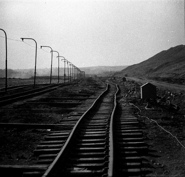 """""""Rails"""", Touroszów, Pologne, 1962 © Eustachy Kossakowski"""