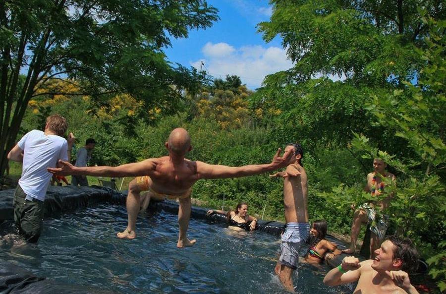 La piscine paysanne de la Ferme du bonheur à Nanterre / DR