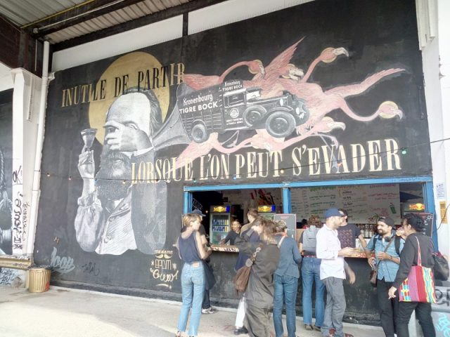 Le bar de l'Aérosol customisé par Madame Moustache / © Mona Prudhomme