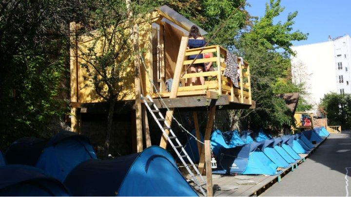 Camping des Grands Voisins à Paris / © Les Grands Voisins