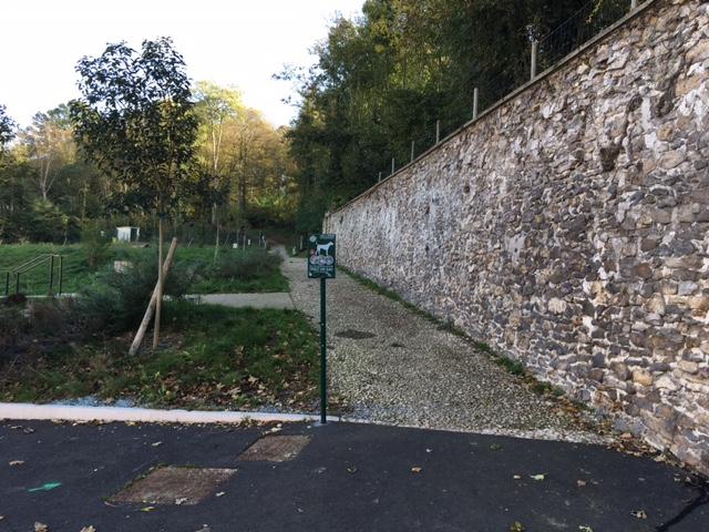 Chemin de la fontaine aux ruisseaux à Montigny-lès-Cormeilles / © Steve Stillman pour Enlarge your Paris