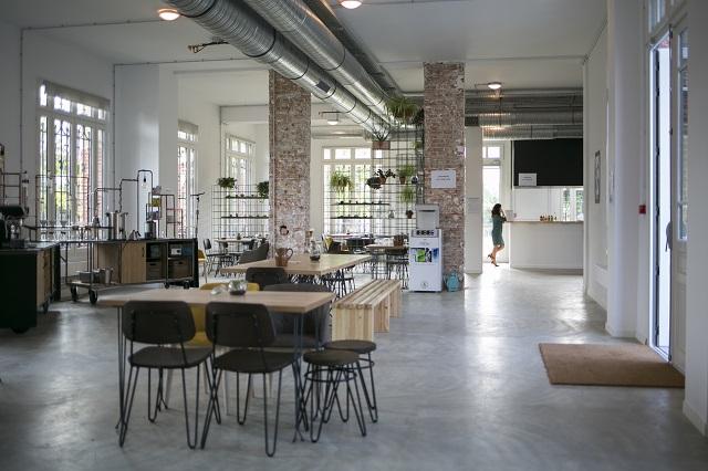 Le coffee shop de Foodentropie au Château Etic à Nanterre / © Emilien Cancet