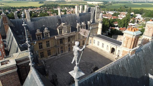 Le château d'Ecouen dans le Val-d'Oise / © RMN